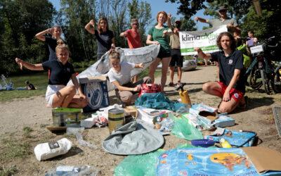 Klimaaktiv vor Ort, die Wasserwacht und der Jugendbeirat Grafrath appellieren an die Paddler in Grafrath, keinen Müll an der Amper zu lassen